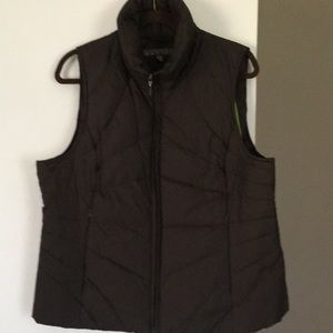 Kenneth Cole reaction down vest, size XL